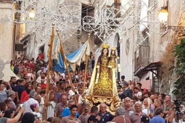 Santa Maria del Carmine procession